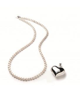 Perlový náhrdelník s príveskom z ródiového striebra